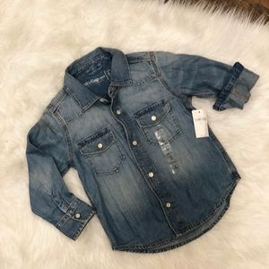 Other - Gap denim pearl snap